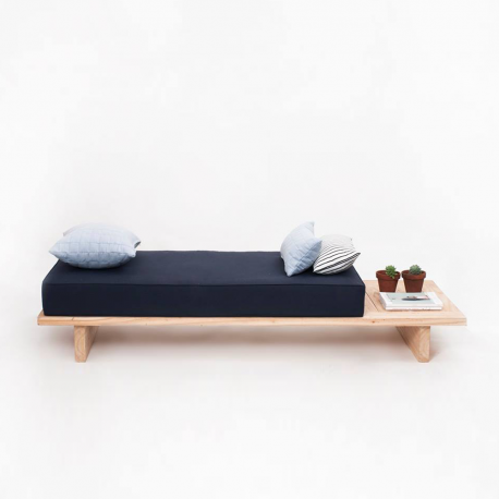 DayBed_Blue_00_preview